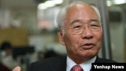 '고아에서 미국 주상원의원으로' 신호범 (2)
