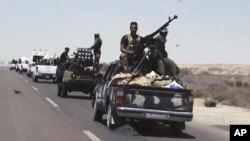 Una mezcla de fuerzas progubernamentales se prepara para atacar Faluya, al oeste de Bagdad.