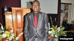 Umfundisi Dale Gurajena owenkonzo eye Fortress of Faith Tabernacle yaseMelika