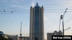 在莫斯科的天然气工业公司总部。(美国之音白桦拍摄)