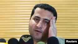 Ảnh tư liệu - Nhà khoa học Iran Shahram Amiri phát biểu với các phóng viên khi ông đến sân bay Imam Khomini ở Tehran, ngày 15 tháng 7 năm 2010.