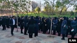 تجمع مهمانداران ایران ایر در اعتراض به تبعیض حقوقی
