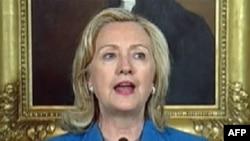 Ngoại trưởng Clinton cho biết nhóm chủ chiến đã gây khó khăn rất nhiều cho việc mang thực phẩm vào các vùng dưới quyền kiểm soát của họ