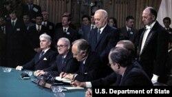 Ký kết hiệp định hòa bình Paris- Ảnh Tư liệu