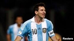 El argentino Lionel Messi busca triunfar en la Copa Mundial para pasar a la historia.