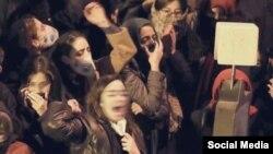 تصاویر صورت دانشجویان معترض برای عدم شناسایی توسط رژیم ایران محو شده است