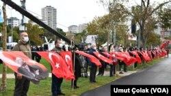 10 Kasım 2020 - Kadıköye'de Ata'yı Anma Zinciri oluşturuldu