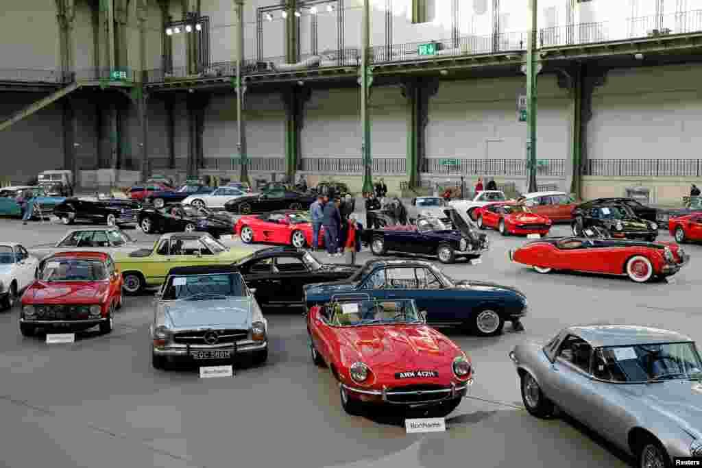 نمایشگاه خودروهای قدیمی در پاریس.