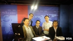 VOA's Thai Service on TV studio set. From left to right: Chamroen Tansomboon, Rattaphol Onsanit, Songphot Suphaphon, Pinitkarn Tulachom, and Service Chief, Nittaya Maphungphong.