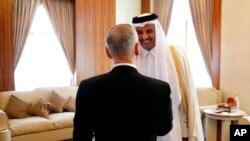Jim Mattis había visitado al El Emir de Qatar, Sheikh Tamim Bin Hamad Al-Thani, en su residencia, el Palacio del Mar, en Doha, Qatar, el sábado 22 de abril de 2017.