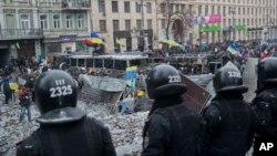 Kiyev ko'chalarida to'qnashuvlardan keyingi vaziyat, 21-yanvar, 2014-yil.