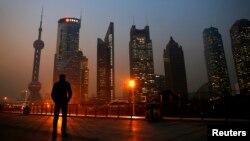 Khu trung tâm tài chính Phố Đông ở Thượng Hải, Trung Quốc. Bắc Kinh gần đây tăng cường nỗ lực mua chuộc giới trẻ Đài Loan bằng biện pháp khuyến khích thành lập doanh nghiệp tại Trung Quốc.