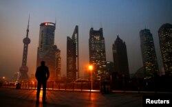 """上海浦东金融区。上海是江泽民的发祥地、权力基地和""""后院"""""""