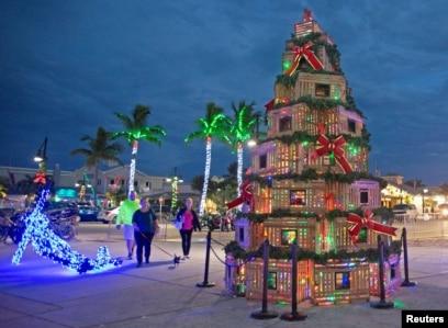 Christmas In Florida Keys.November 30 2018 Page 2