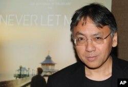 2017년 노벨 문학상 수상자로 결정된 일본계 영국인 작가 가즈오 이시구로.