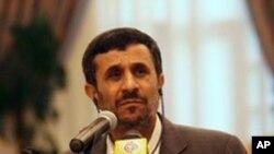 ປະທານາທິບໍດີ Mahmoud Ahmadinejad ແຫ່ງອິຣ່ານ.