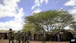 Forças do Quénia junto à fronteira com a Somália