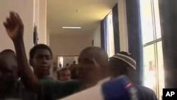 Agressores do presidente Traore no palacio presidencial