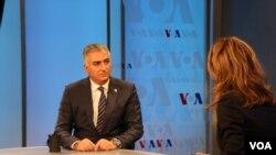 Thái tử Iran Reza Pahlavi, trong một cuộc phỏng vấn với VOA