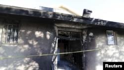 Masjid 'Islamic Society of Coachella Valley' sengaja dibakar hari Jumat dan akan diselidiki sebagai kejahatan dengan motif kebencian, menurut sheriff Riverside County, 12 Desember 2015.
