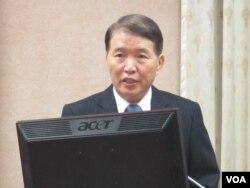 台湾国防部长高广圻(美国之音张永泰拍摄)