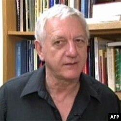Profesor Bil Mekbrajd