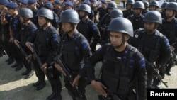 Sebanyak dua ribu petugas dikerahkan untuk meningkatkan kewaspadaan menjelang upacara peringatan genap 10 tahun ledakan Bom Bali di Denpasar (10/10).