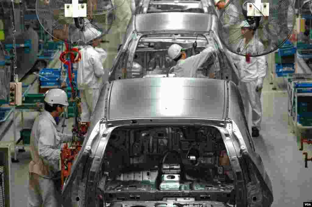 """""""Хонда"""" намагається скласти конкуренцію """"Тойоті"""" на місцевому ринку."""