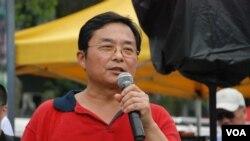 六四事件受害者宋先生今年首次到香港參加六四燭光晚會,他感謝香港人24年來堅持平反六四,認為六四燭光集會世界上少有