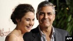 Шэйлин Вудли и Джордж Клуни