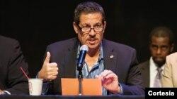 """El comisionado de Miami-Dade José """"Pepe"""" Díaz ha pedido para los venezolanos en EE.UU. un estatus de protección temporal."""