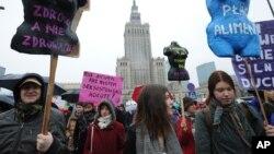 Manifestation pour une plus grande accessibilité à l'avortement, Varsovie, Pologne, 6 mars 2016