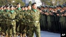 日本自衛隊2005年訓練資料照。