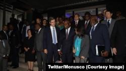 Ba membres ya Conseil ya sécurité ya Nations unies, na bokutani na bapanzi sango elongo na président ya Ceni, Corneille Nangaa, na Kinshasa, RDC, le 6 octobre 2018. (Twitter/MONUSCO)