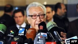Đặc sứ hòa bình quốc tế Lakhdar Brahimi mở cuộc họp báo tại một khách sạn ở Damascus, Syria, 27/12/12