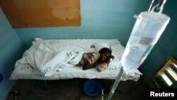 Seorang pasien yang menderita demam Rift Valley dirawat di rumah sakit di Nairobi, Kenya (foto: ilustrasi).