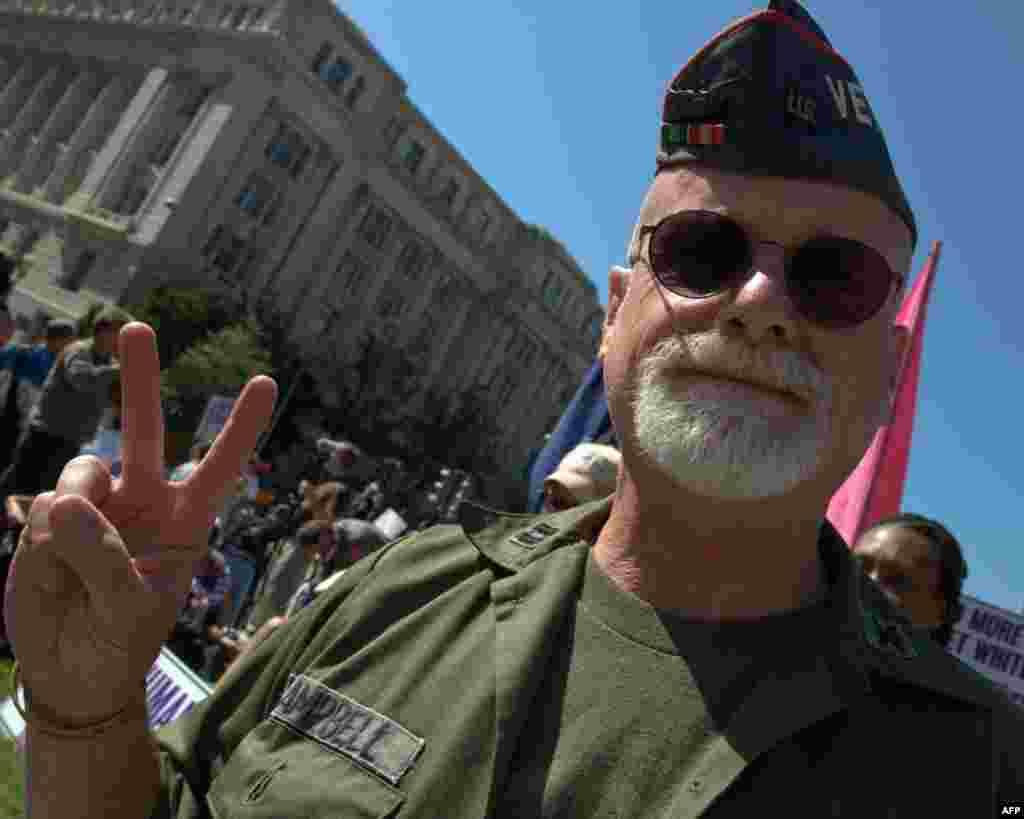 Брукс Кемпбелл, житель штата Нью-Гэмпшир, ветеран Корейской войны: «Война – это рэкет, которым занимаются богачи и корпорации»