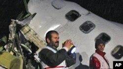کشته شدن 77 تن در حادثۀ سقوط طیاره در ایران