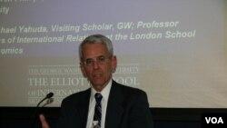 喬治華盛頓大學國際關係教授沙特(美國之音鍾辰芳拍攝)