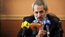 """براساس تعریف مقامهای قضایی ایران، هر عکس بی حجاب، عکس """"نامناسب"""" است."""