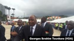 Le Premier ministre ivoirien annonce d'importants investissements dans la réalisation des routes, en Côte d'Ivoire, le 17 octobre 2017. (VOA/Georges Ibrahim Tounkara)