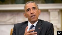 바락 오바마 미국 대통령이 13일 올랜도 총격 사건에 대한 수사 보고를 받은 뒤 백악관 집무실에서 기자회견을 하고 있다.
