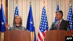 Amerika Dışişleri Bakanı Clinton ve Kosova Başbakanı Haşim Taçi
