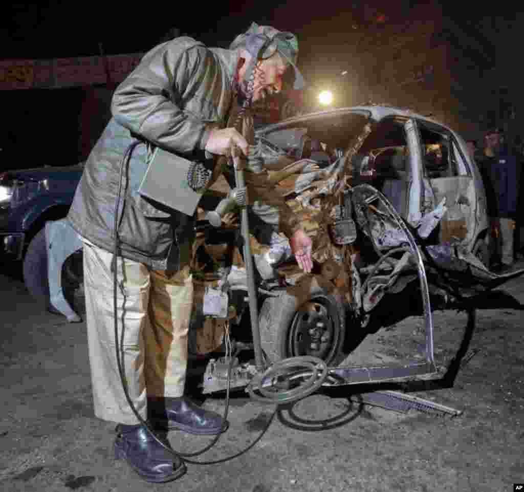 پاکستان میں بم دھماکے