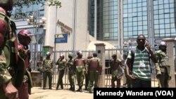 Polisi walinda makao makuu ya IEBC Nairobi