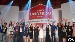Accomplished Vietnamese entrepreneurs under 30 years old highlighted by Forbes. (Lien Hoang for VOA News)