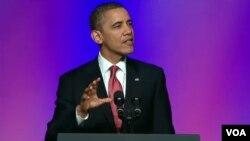 Presiden Obama dalam pidato mingguannya menyerukan AS mengembangkan sumber energi alternatif seperti angin dan tenaga surya.