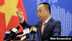 Phó phát ngôn viên Bộ Ngoại giao Việt Nam Đoàn Khắc Việt. Photo Thanh Nien