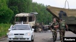 亲俄分离分子在卢甘斯克郊外的检查站