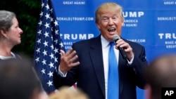 Donald Trump en un mitín en Bedford, New Hampshire.
